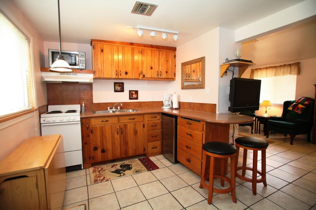 Tucson Bed and Breakfast Cottage With a Mountain View